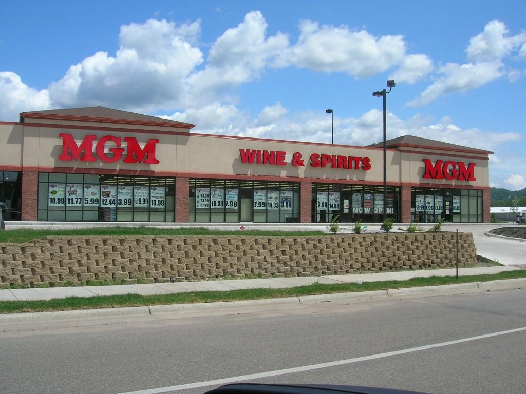 045 Winona Store Front